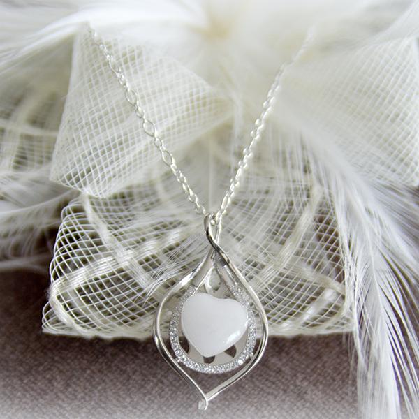 Le-bijou-de-maman-bijoux-de-lait-maternel-collier-femme-feuille