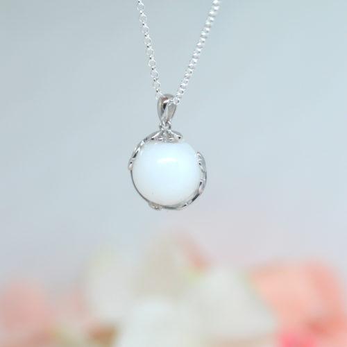 Le-bijou-de-maman-bijoux-de-lait-maternel-bijoux-personnalisables-ma-perle-de-lait-arc
